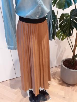 plisse skirt 7504 leatherlook camel